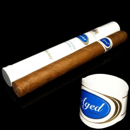 Dunhill Aged Cigars Cabreras